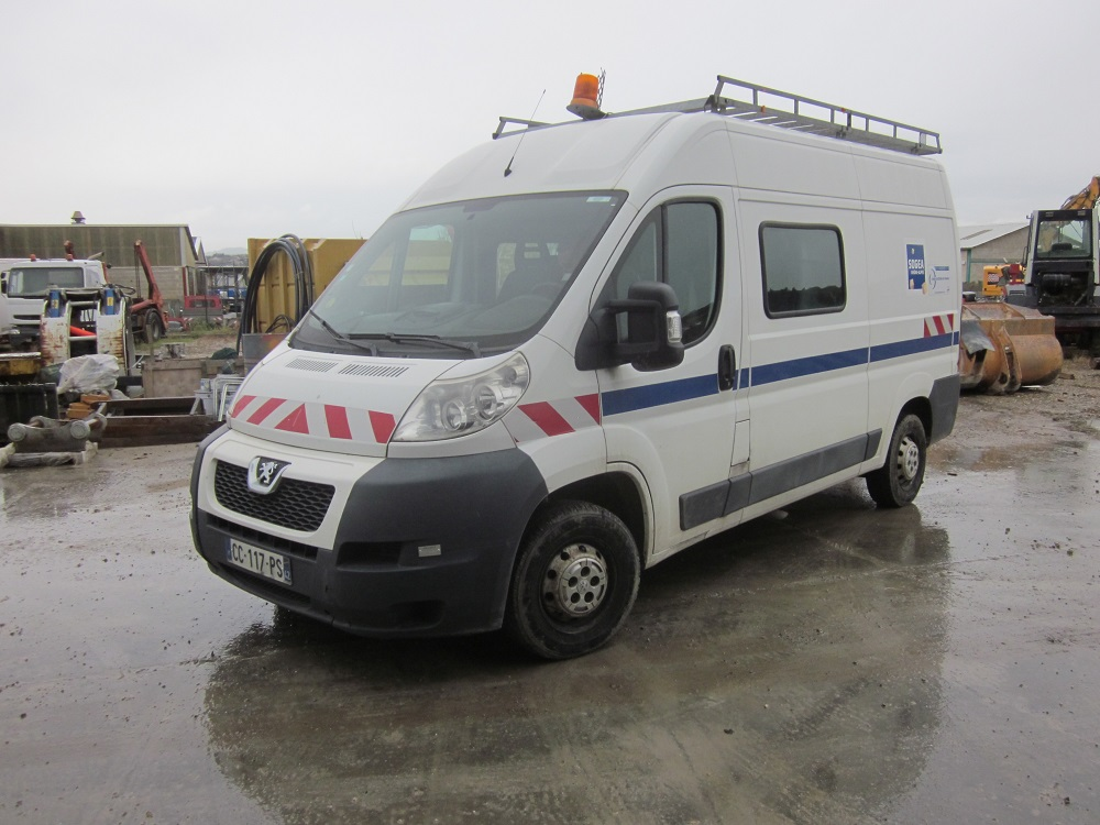 PEUGEOT BOXER 7 places (1)